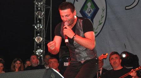 Rize`de Davut Güloğlu Konseri