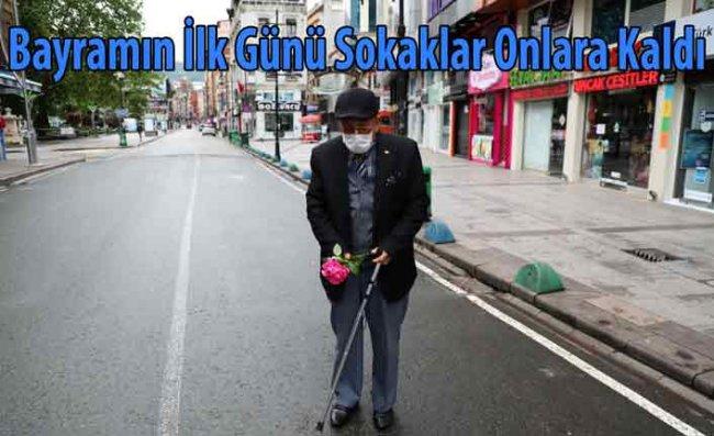 65 Yaş ve Üzeri Vatandaşlar Bayramın İlk Gününde Sokağa Çıktı