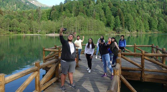 Borçka Karagöl Tabiat Parkı Yeniden Ziyaretçilere Açıldı