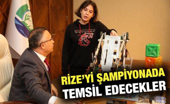 Bahçeşehir Koleji Robotik Ekibi, Vali Çeber'i Ziyaret Etti