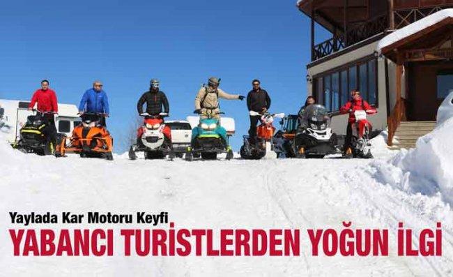 Avrupalı Turistlerin Handüzü Yaylası'nda Kar Motoru Keyfi