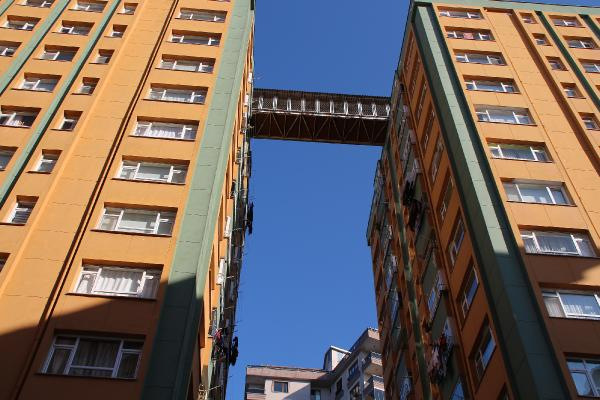Binalar Arasında 'Komşuluk' Köprüsü