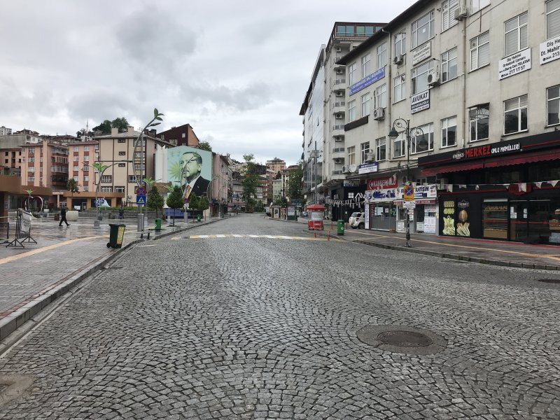 Kısıtlamanın İlk Gününde Rize Sokakları Boş Kaldı
