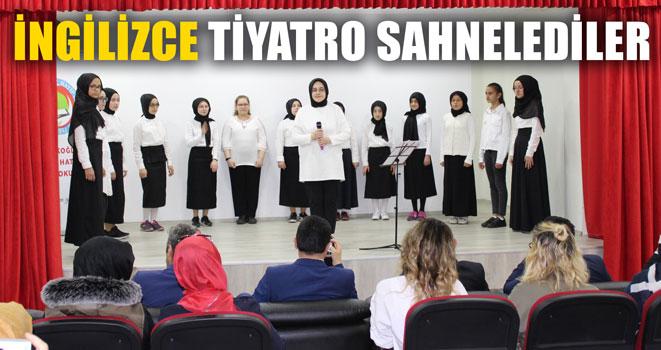 Öğrencilerden Eşine Az Rastlanan Bir Tiyatro Gösterisi