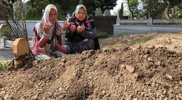 Anne ve Bebeği Aynı Mezarlıkta Toprağa Verildi
