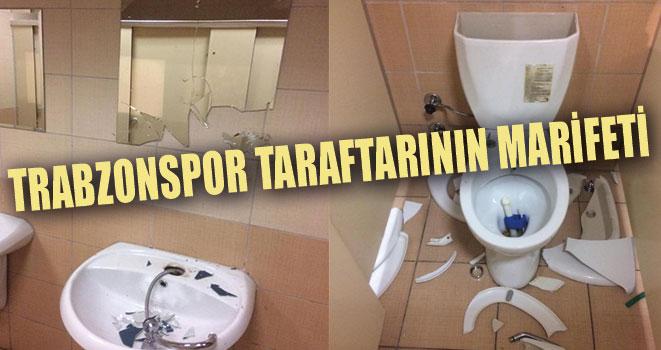 Trabzonspor Taraftarı Tuvaletleri Kırdı Geçirdi