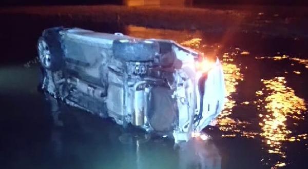 Otomobil Çaya Uçtu, İçindekiler Kurtarıldı