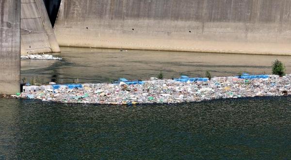 Atılan Kurban Atıkları ve Çöpler, Kirlilik Oluşturdu