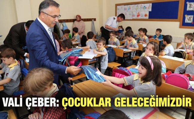 Vali Çeber İlköğretim Haftası Kutlamalarına Katıldı