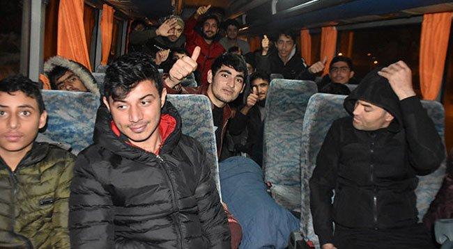 30 Göçmenin Türkiye'ye İtildiği İddiası