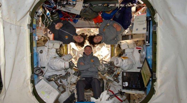 Kadın Astronatlar Uzay Yürüyüşü Yaptı