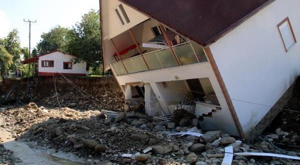 Selin Bilançosu: 100 Bina Yıkıldı, 1687 Çiftçi Zarar Gördü