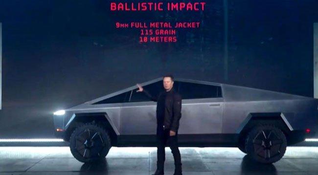 Elon Musk, 'Cybertruck'ı Tanıttı
