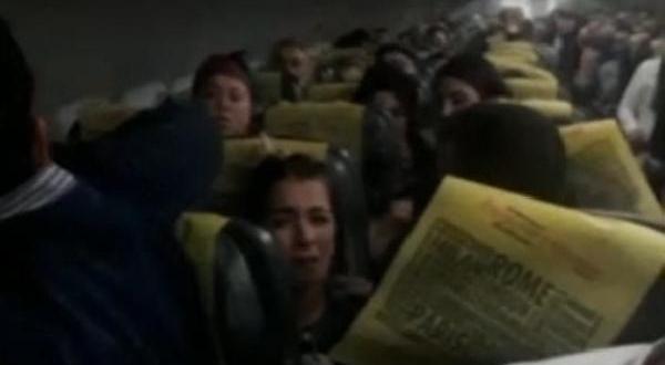 Pisti Pas Geçen Uçakta Panik Dolu Anlar