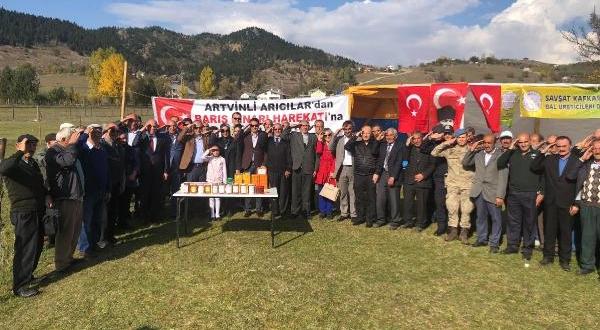 Şavşatlı Arıcılardan Mehmetçiğe 'Ballı' Destek
