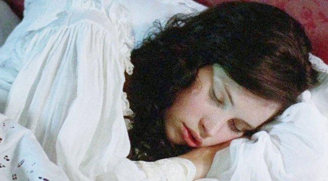 Vücudun İhtiyacı Olan Uyku Süresi Alınmalı