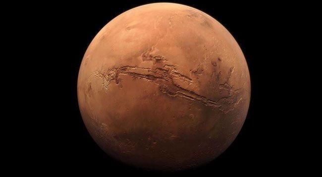 Dünya'dan Götürülen Bakterilerle Ay ve Mars'ta Mineral Madenciliği Yapılabilecek