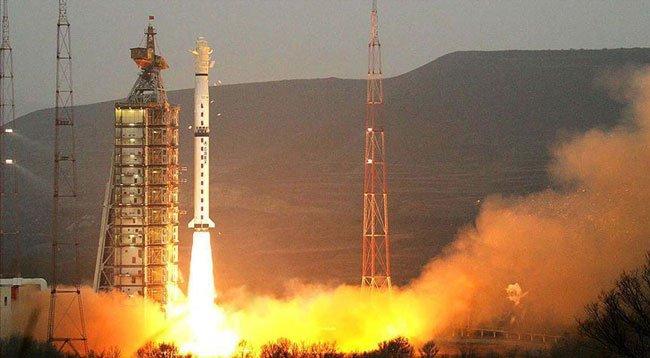 Çin, Mobil İletişim Uydusunu Fırlattı