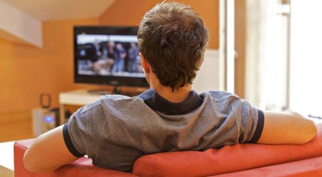 Televizyon İzleyicisi Ekrandaki Şiddetten Rahatsız