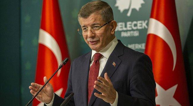 Ahmet Davutoğlu'nun Kovid-19 Testi Pozitif Çıktı