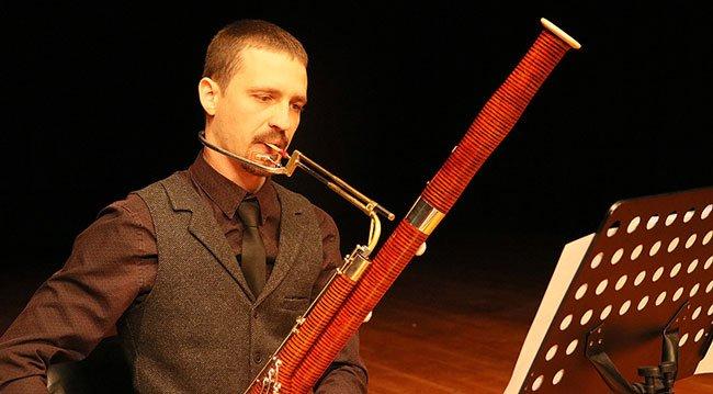Ukraynalı Müzisyen Fagotla Türk Müziği Çalıyor