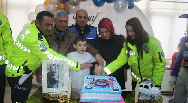 Şehit Polisin Oğluna Sürpriz Doğum Günü