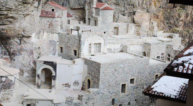 Sümela Manastırı Teleferikle Gezilebilecek