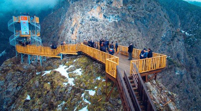 Valla Kanyonu'na Yaptırılan Seyir Terası Hizmete Girdi