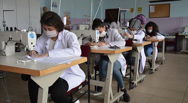 Bir Haftada Üretilen 500 Bin Maskenin Dağıtımı Yapıldı