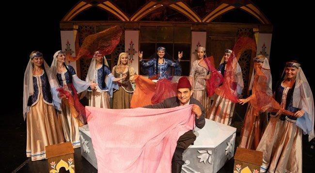 'Arşın Mal Alan' Opereti Bulgaristan'da Sahnelendi