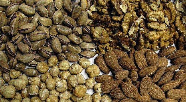 Kabuklu Yemiş Tüketmek Bunama Riskini Azaltıyor