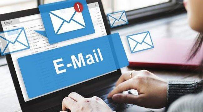 Sosyal Medya Hesapları İçin Yeni Bir e-Posta Oluşturulmalı