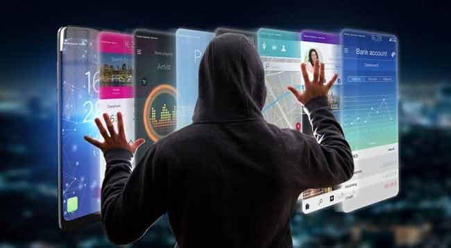 Sosyal Medyada Bırakılan 'Dijital Ayak İzlerine' Dikkat