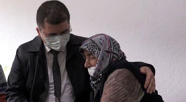 Evi Yanan Kadın, Vali Yardımcısına Sarılıp Gözyaşı Döktü