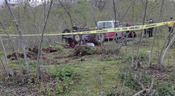 Fındık Bahçesinde Devrilen Traktörün Sürücüsü Öldü