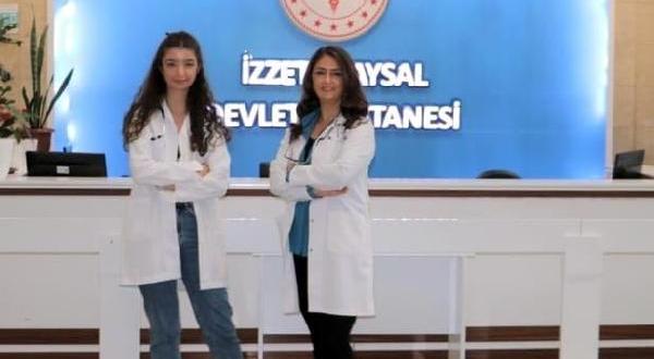Doktor anne- kız, aynı koronavirüs servisinde görev yapıyor