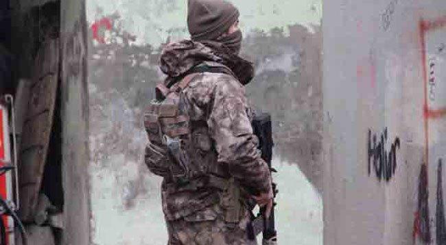 Vatandaş ihbar etti, bombalı eylem hazırlığındaki terörist yakalandı