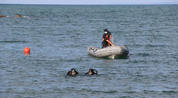 Sinop'ta sel kayıpları, Karadeniz'de aranıyor