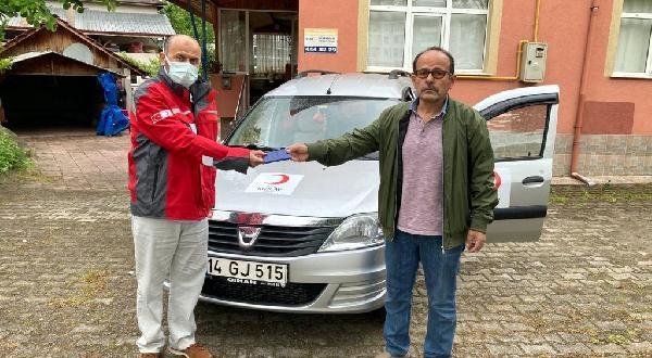 Babasından Kalan Otomobili, Kızılay'a Bağışladı