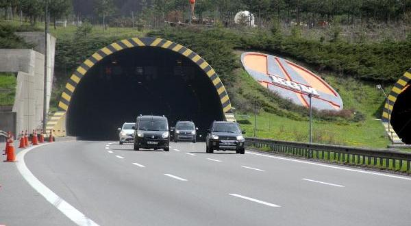 Bolu Dağı Tüneli'nden İki Günde 100 Bini Aşkın Araç Geçti