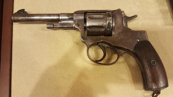 Atatürk`ün 121 yıllık orijinal beylik tabancası Samsun`da sergileniyor